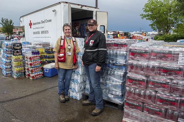 suministros de emergencia de la cruz roja